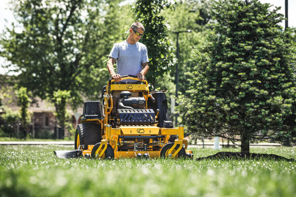 CubCadet-Commercial-StandOn-2020.jpg