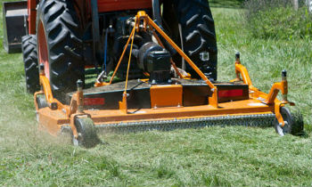 Woods-FinishMower-RearMount.jpg