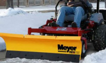 CroppedImage350210-Meyer-ZTR-Snow-Plow-2015.jpg